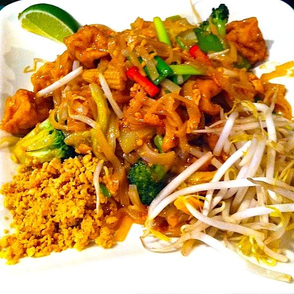 Siam House Pad Thai